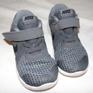 Nike Sneakers 8c